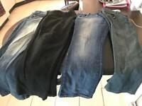 4 pair of men's jeans