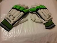 KOOKABURRA Kahuna Prodigy right handed batting Gloves, Mens