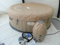 LAY Z SPA PALM SPRINGS 4 - 6 PERSON AS NEW CONDITION ONLY USED TWICE
