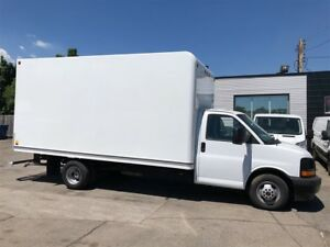 2017 GMC Savana 3500 16ft cube with ramp