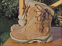 Hi-tec fur lined winter hiking boots size 2