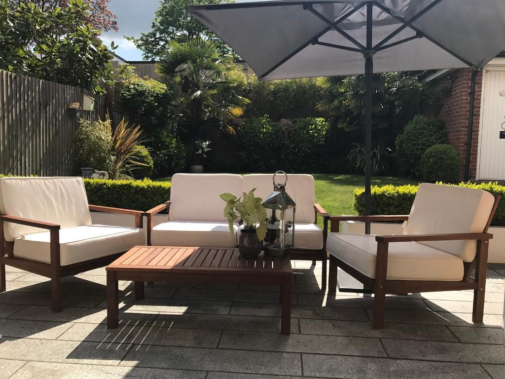 Conservatory Patio Garden Furniture with umbrella. Conservatory Patio Garden Furniture with umbrella   in Watford