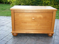Mamas & Papas Richmond Pine Blanket Box / Chest of Drawers (single) collection Aylesbury / Hatfield