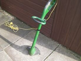 Garden Strimmer In good working order just needs a replacement cutter cord