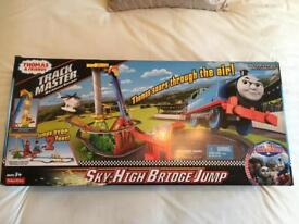 Thomas and friends Sky high bridge jump *BNIB* UNOPENED AND SEALED