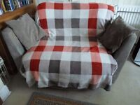 Cuddle swivel chair sofa so turn to face TV & family good condition from pet & smoke free house £15