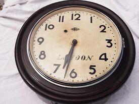 OLD WALL CLOCK - RUNS - GOOD TIME KEEPER - L@@K