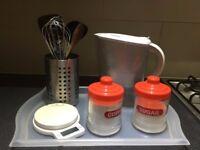 Set kitchen + Brita waterfilter + kitchen scale