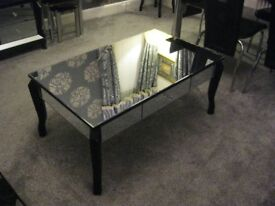 BEAUTIFUL HIGH QUALITY BLACK GLASS MORRORED COFFEE TABLE
