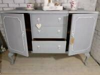 Beautiful 3 drawer buffet sideboard, vintage dresser