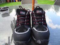 Brand new TUF Revolution size 10 work boots