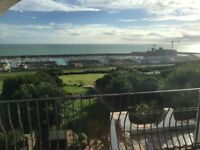 SB Lets are delighted to offer this luxury, modern and spacious 3 bedroom flat in Roedean.