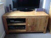 TV Unit. Solid wood. Oak furnitureland