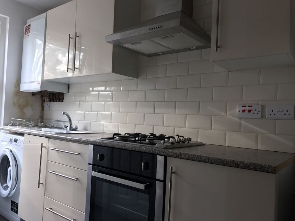 SHMP AGENTS OFFER ONE BED GROUND FLOOR FLAT WITH GARDEN NEAR SOUTH WOODFORD STATION E18