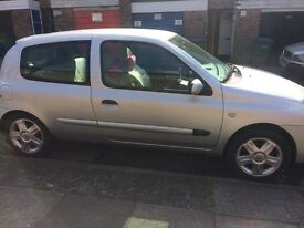 2006 Renault Clio 1.2 Silver, *Looking for quick sale*