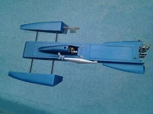 RC 3.5 Hawk outrigger Hydroplane London Ontario image 1