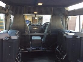Land Rover Defender Luggage/Dog Cage