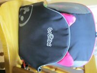 Trunki car seat, black and pink, only used once so in excellent condtion