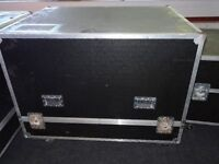 Very Large Flight case on Wheels with removable lid