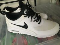 White air max thea - size 5