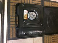 Brand new gas camping hob with 4 tins of gas brilliant for caravans or camping.