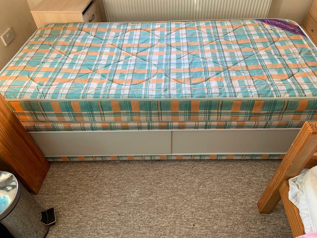 Picture of: Single Divan Bed In Liphook Hampshire Gumtree