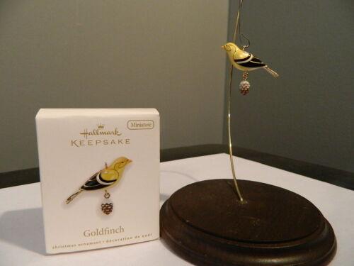 HALLMARK GOLDFINCH 2010 BEAUTY OF BIRDS MINIATURE CHRISTMAS KEEPSAKE ORNAMENTS