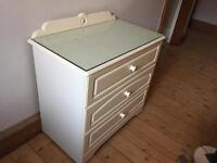 Pretty cream chest of drawers