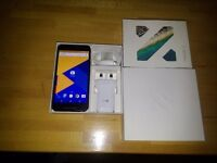 LG Nexus 5x 32GB + case and screen protector
