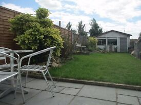 Double room with ensuite in shared house £540pcm ALL INCL SN2 1DE