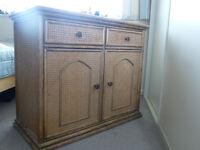 Sideboard/cupboard unit in oak colour wood with lattice finish