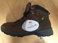 Mens Regata Highdale hiking boot. Bran size 10