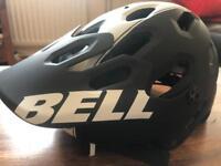 Brand New Un-used Bell Mountain Bike Helmet (Black/White)