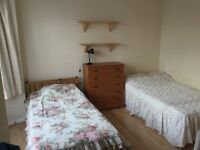 A SPACIOUS BRIGHT AND AIRY DOUBLE ROOM TO RENT IN A QUIET RESIDENTIAL AREA
