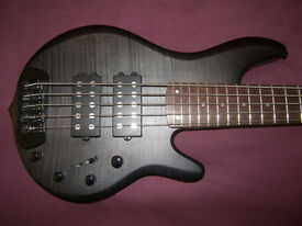 BASS Traben Chaos , 5-String Active Bass Guitar / Black Wash Satin. / As New !
