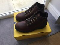 NOW REDUCED - DR MARTENS AIRWEAR BOOTS (BRAND NEW) Steel toe cap SIZE 8. Genuine.