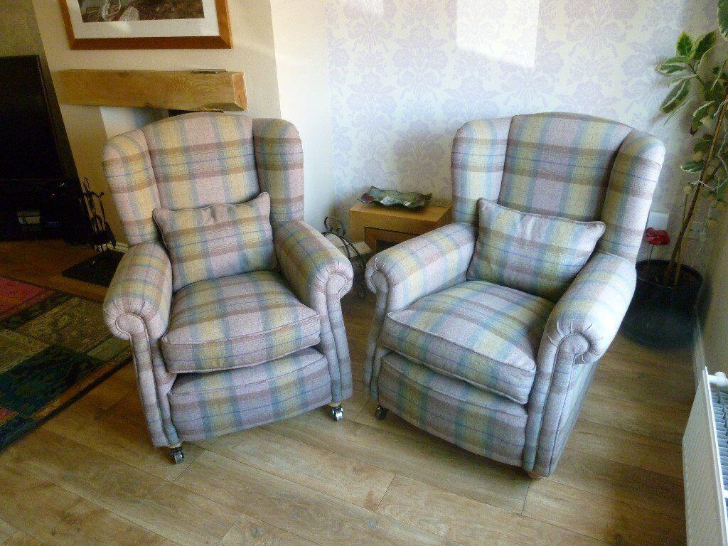 Dfs Loch Leven Suite Comprising Grand Pillow Back Sofa