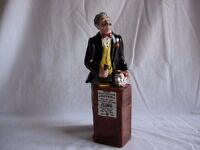 Royal Doulton Figurine HN 2988 THE AUCTIONEER