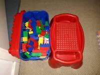 Mega bloks tub and building table