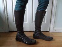 "Size 41 (EU)/7.5 (UK) Brand NEW (never worn) ultra-flat khaki ""Elle"" boots. (inc new heel cushion)"
