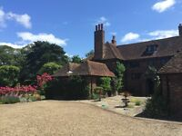 Italian/ Spanish Live-in au pair, big bedroom with en-suit, home set in 10acre gardens in kent