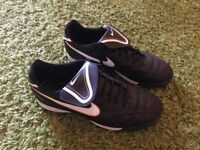 Nike Tiempo football boots size 11 worn once astro turf trainers