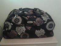 FRENZY Large Quality holdall on wheels