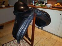 Bates Wide Saddle 17.5 inch
