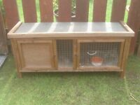 RABBIT HUTCH ON LEGS £25