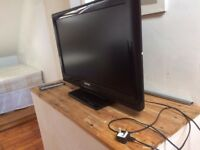 """Toshiba 32AV505DB 32"""" 1080p HD LCD Television with built in Freeview + remote."""