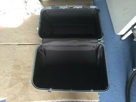 Large suitcase/cabin trunk
