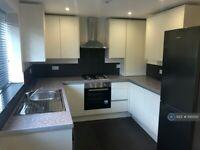 3 bedroom flat in Launceston Road, Perivale, Greenford, UB6 (3 bed) (#1143510)