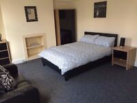 ROOMS TO RENT IN CANDAHAR AND DELHI STREET!! JUST OVER ORMEAU BRIDGE! ALL BILLS INCLUDED