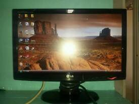 "19"" LG FLATRON HD MONITOR SCREEN"